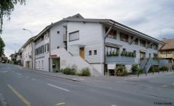 Immeuble villageois et Agence bancaire